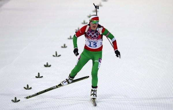 la-sp-sn-sochi-olympics-darya-domracheva-wins--001